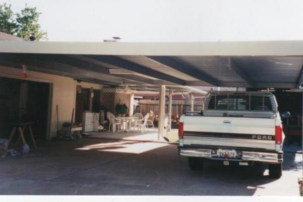 carport-001BC341631-599D-AE59-36A4-DA6E61B21DBE.jpg