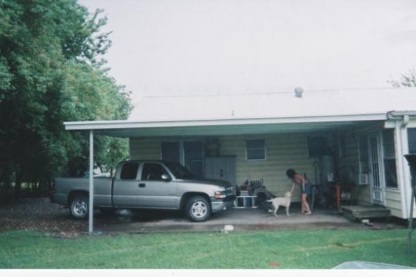 carport-0047C4F145A-6BE8-6BB7-F145-8AB968B9EA9A.jpg