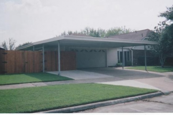 carport-0103C72A23F-333C-F323-4867-CD0DDEF32F57.jpg
